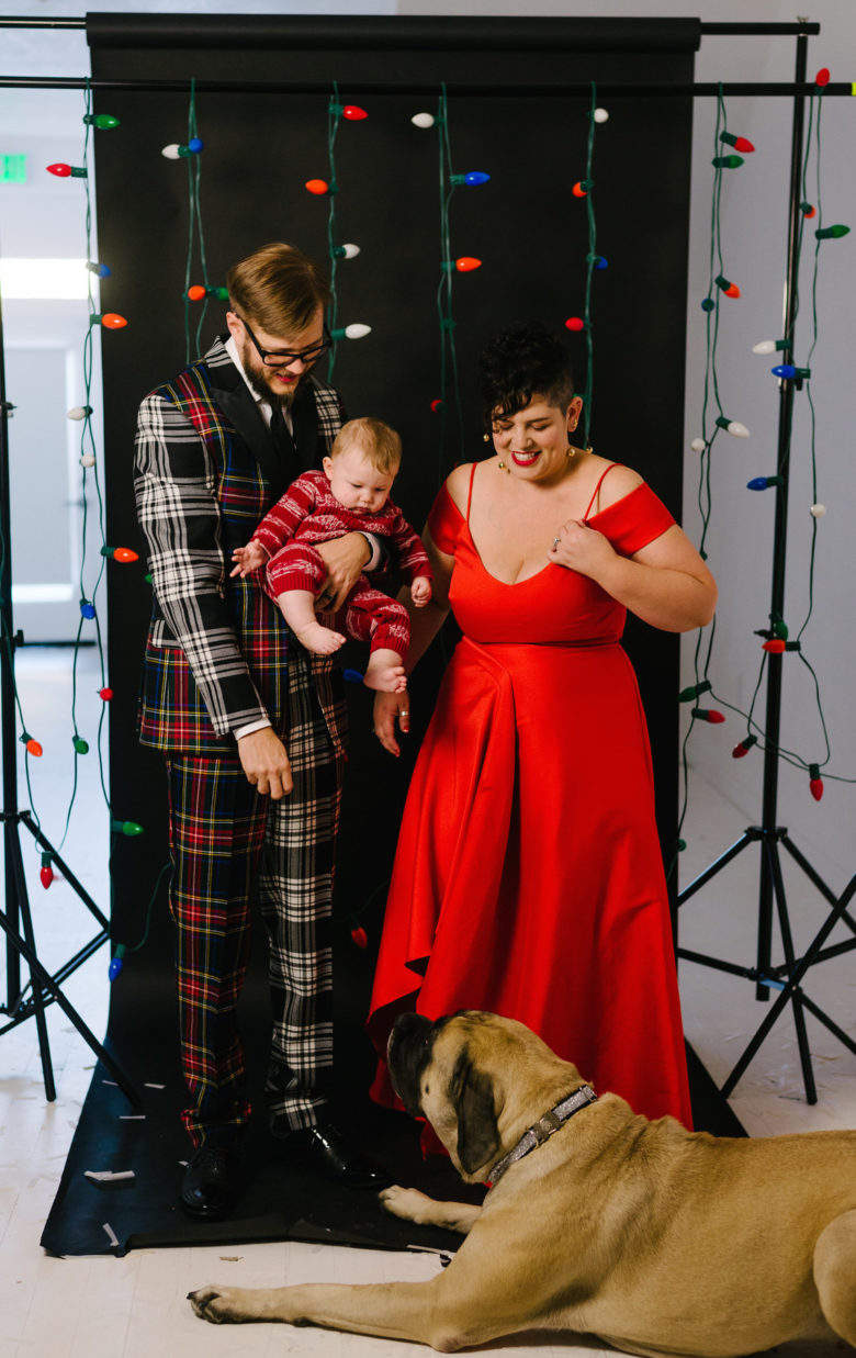 behind the scenes photo of a family holiday card photoshoot